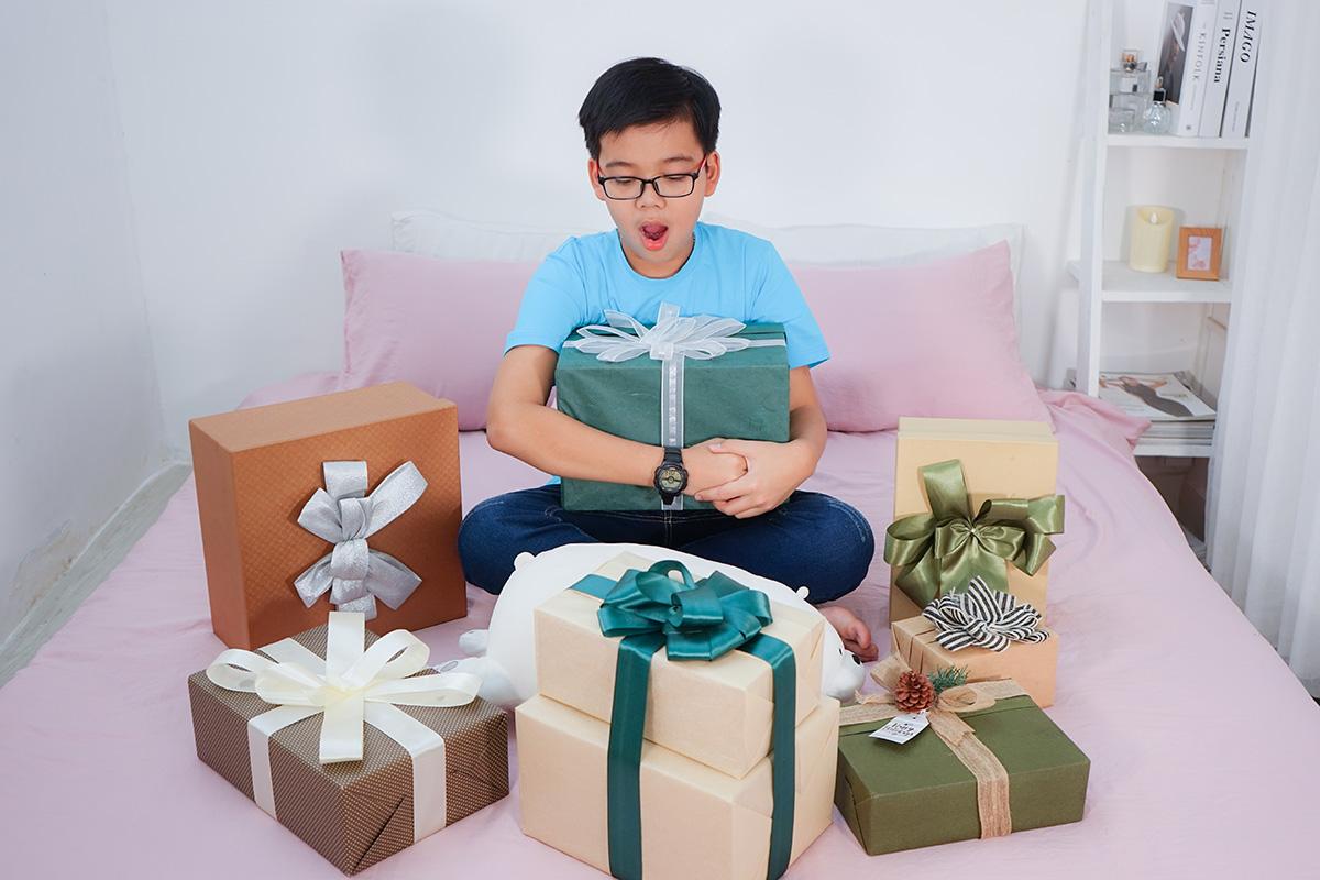 gửi muôn vàn quà tặng đến một nửa yêu thương